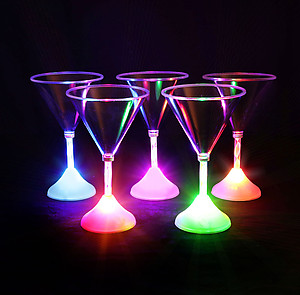 1 X Light Up Martini Cup  - 8 Colour Modes