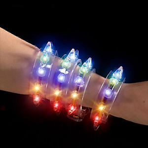 1 x Flashing Bracelet - Spikey 8 Light
